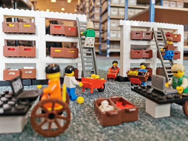 Farm Western City Castle NEW LEGO WAGON CARRIAGE Parts Lot Wheels Axles Tools